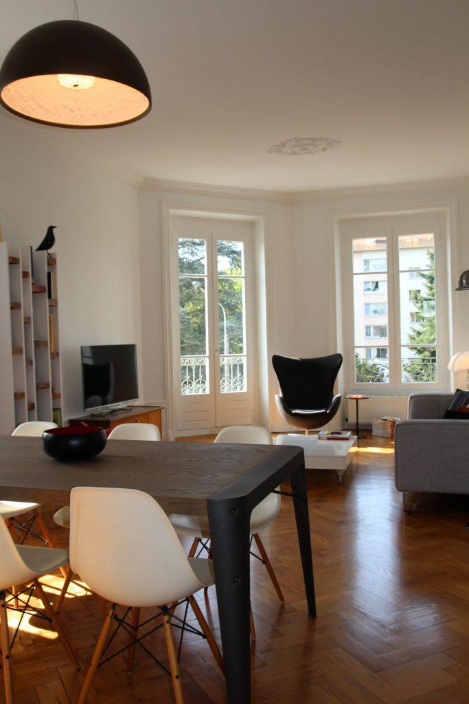 11 Appartement Haussemanien Marlene Reynard Sejour Chaises Eames Salle A Manger