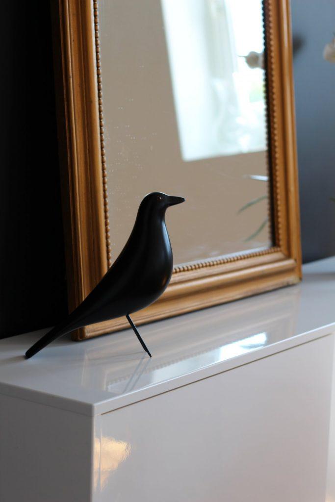26 Appartement Haussemanien Marlene Reynard Sejour Chaises Eames Bird