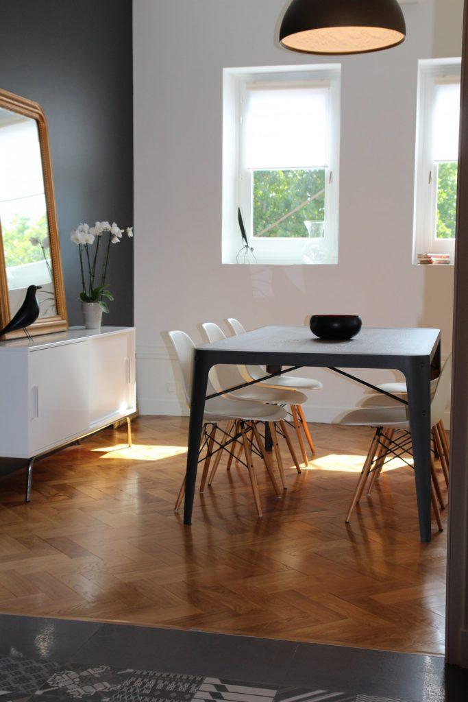 8 Appartement Haussemanien Marlene Reynard Sejour Chaises Eames Salle A Manger 2