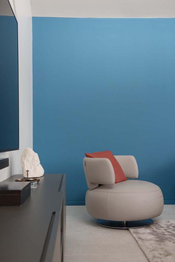 Marlene Reynard Solaize 23 Salon Meubles Roche Bobois Twiggy Foscarini Mur Bleu Sarah Ressources