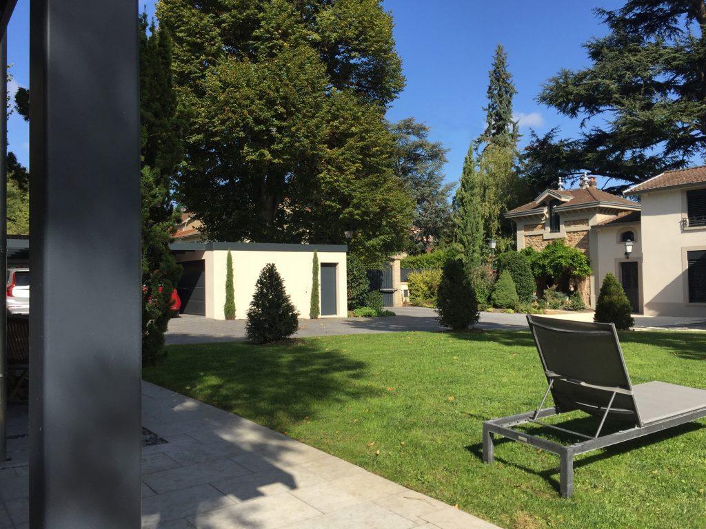 12 Maison Gingko Ecully Marlene Reynard Exterieurs Garage Pool House Piscine Paves Annexe Maison Maitre 12