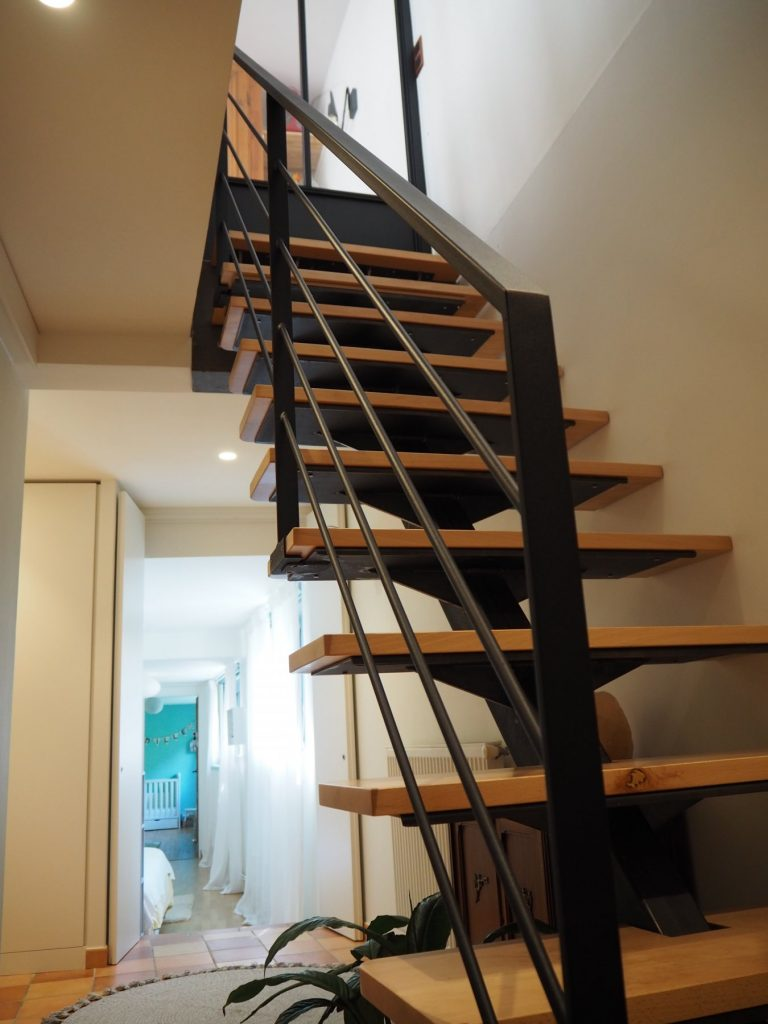 2.loft Croix Roussien.marlenereynard.verriere.meuble Chaussures.escalier.niche Déco.menuiserie.sur Mesure (15)