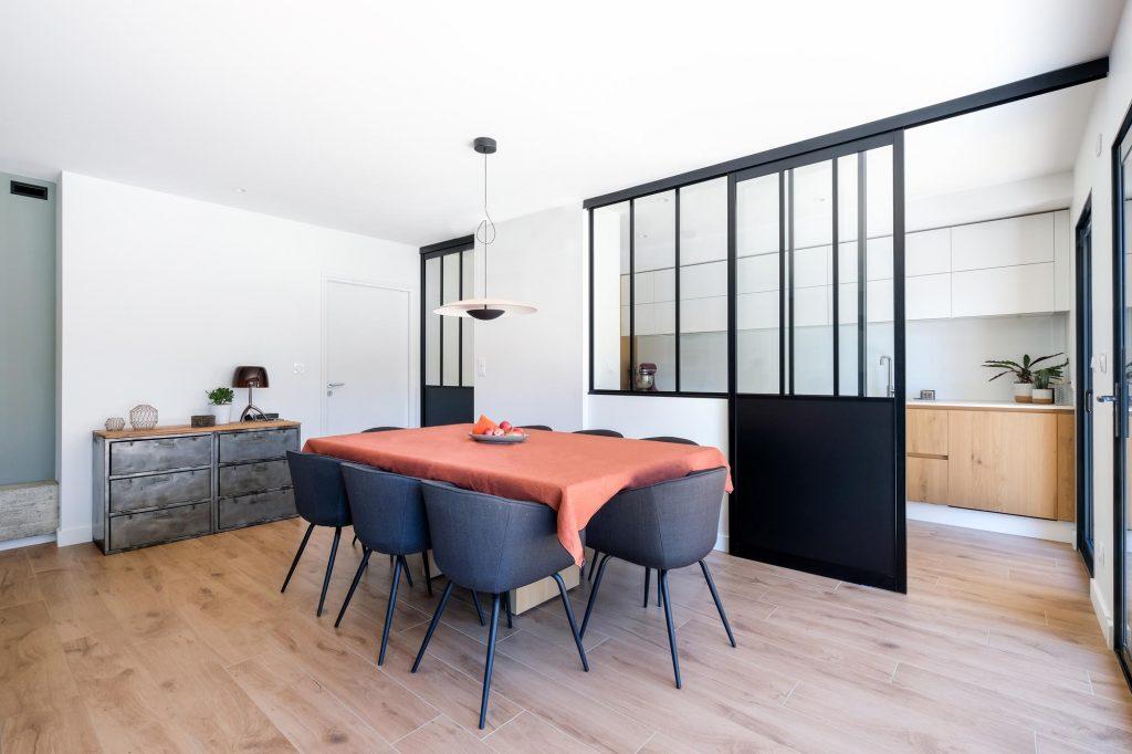 maison sainte foy les lyon. agence Marlène Reynard. renovation. extension.cuisine.séjour.cheminée verrière